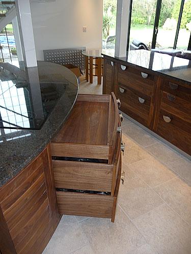 house smart furniture company case study